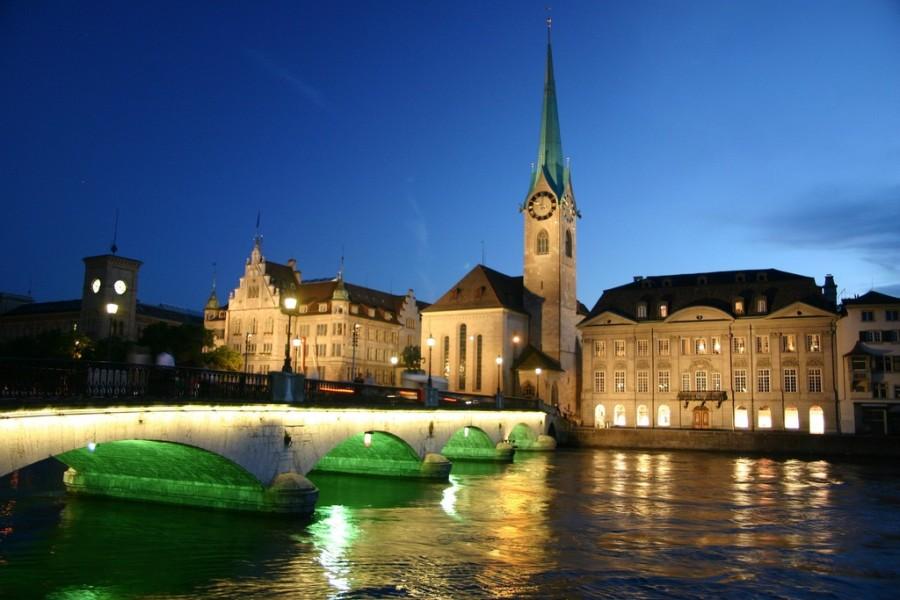 Zurich_at_night.